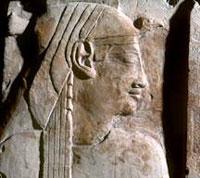 Cleopatra - nhà khoa học hay mụ phù thủy?