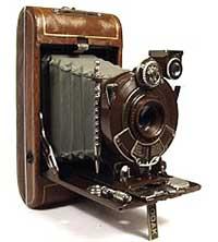 George Eastman (1854 - 1932) Nhà phát minh phim và máy ảnh Kodak