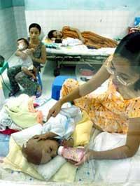 Trẻ bị tiêu chảy do siêu vi ngày càng tăng