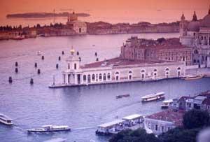 Bơm nước biển vào để cứu thành Venice
