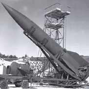 Wernher Von Braun chế tạo hỏa tiễn.