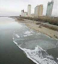 Trung Quốc bắt đầu xử lý ô nhiễm tại sông Tùng Hoa