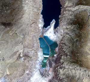 Vẫn có sinh vật sống trong biển Chết