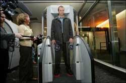 Hệ thống kiểm tra an ninh sân bay hiện đại