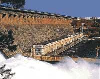 Hồ nhân tạo lớn nhất thế giới