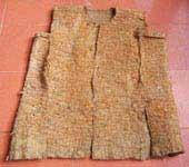 Bộ trang phục độc đáo bằng vỏ cây