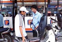 Ô nhiễm benzen từ chất lượng xăng dầu kém?