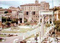 Căn mộ bí ẩn dưới quảng trường La Mã