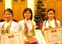 8 cá nhân nhận giải Quả cầu vàng 2005