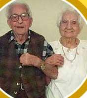 Vì sao các cặp vợ chồng giống nhau khi về già?