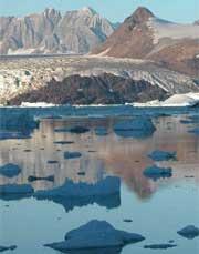 Băng thi nhau tan trên Greenland
