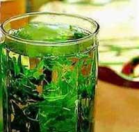 Uống trà xanh ngừa bệnh lú lẫn