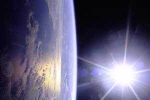 Khoảng cách Trái đất - Mặt trời ngày càng lớn