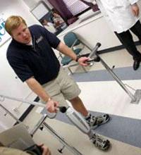 Người tàn tật có thể leo gác với công nghệ chi giả mới
