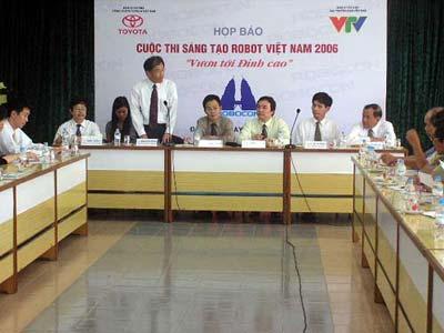 2007: VN đăng cai tổ chức cuộc thi Sáng tạo Robocon