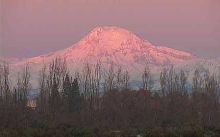 Núi lửa Tupungato cao 6.800m là núi lửa đang hoạt động cao nhất thế giới