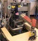 """Robot """"em bé"""" biết học như người"""