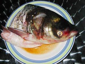 Canh đầu cá bổ thần kinh và thể lực