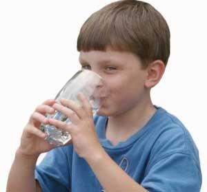 Nước khoáng bảo vệ răng cho trẻ em