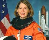NASA chọn nữ chỉ huy tàu vũ trụ Atlantis