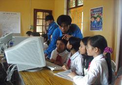 Phổ cập tin học và Internet cho 3.000 người dân nông thôn
