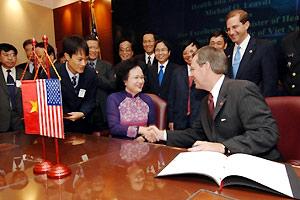 Mỹ hỗ trợ VN phòng chống cúm, HIV