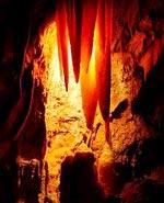 Phát hiện hang động cổ nhất thế giới