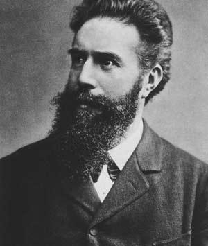Wilhelm - Người khám phá ra tia X tháng 11 năm 1895 tượng trưng cho cuộc cách mạng trong thế giới Y khoa