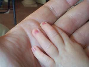Bàn tay khó dấu được tuổi tác