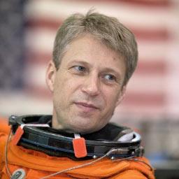 Phi hành gia Thomas Reiter phá kỷ lục về thời gian lưu lại trong không gian