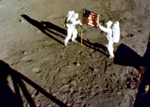 NASA làm mất cuốn phim Apollo đổ bộ Mặt trăng