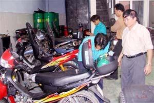 Chính thức lưu thông 25 xe máy chạy gas đầu tiên
