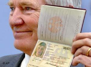 Bồ Đào Nha phát hành hộ chiếu sinh trắc học