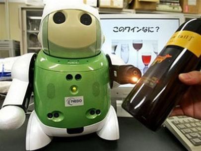 Người máy nếm rượu