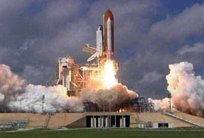Tàu Atlantis đã phóng vào không gian