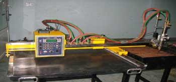 Máy cắt kim loại tự động