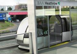 Xe điện không người lái tại sân bay Heathrow (Anh)