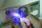 Đèn phát hiện tiền giả