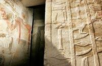 Phát hiện 3 lăng mộ cổ Ai Cập nhờ trộm
