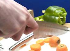 Thiết bị nhà bếp dùng với một tay sẽ giúp ích cho bệnh nhân đột quị.