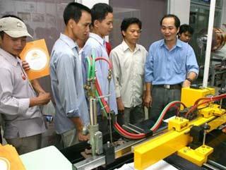 Kỹ sư Kiệt và những chiếc máy CNC