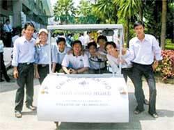 Việt Nam: Xe chạy bằng điện và năng lượng mặt trời