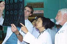 """""""Project Vietnam"""" tấm lòng các bác sĩ đa quốc tịch"""