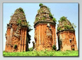 Tháp Dương Long có thể là nơi táng vua Chăm