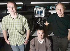 Tiến sĩ Martin Wickham cùng nhóm nghiên cứu đã chế tạo ra mô hình dạ dày nhân tạo
