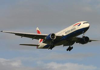 Chiếc Boeing 777-236ER chở Thủ tướng Tony Blair thuê của hãng British Airways đang hạ cánh xuống Auckland, New Zealand