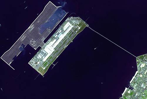Phi trường quốc tế Kansai chụp từ cao xuống