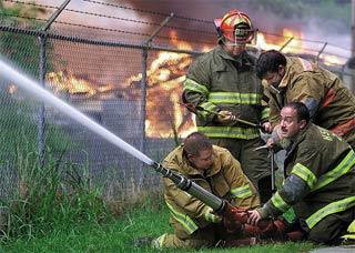 Lính cứu hỏa dễ mắc ung thư