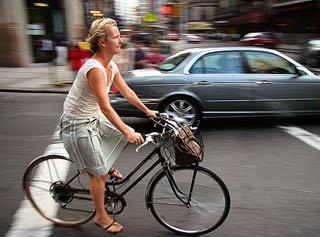 Đạp xe khiến phụ nữ giảm nhạy cảm ở vùng kín