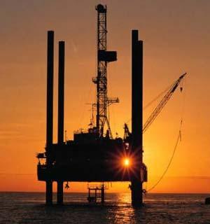 Có thể sản xuất xăng dầu từ CO<sub>2</sub>